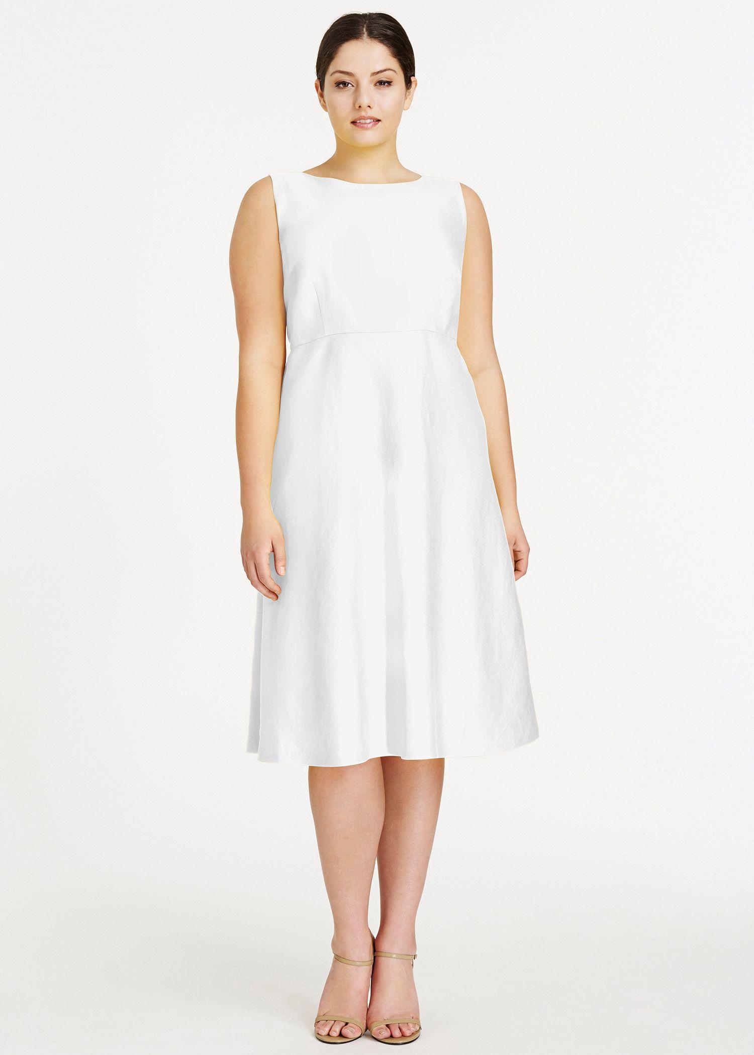Plus size white wedding dress  Plus Sized Wedding DressesFlattering Styles  Wedding dress