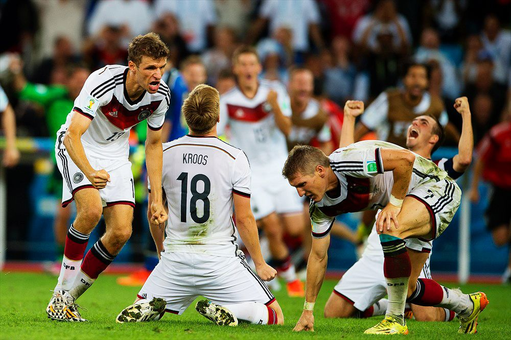 When The Final Whistle Blows 13 07 14 So Many Emotions In One Picture Dfb Team Dfb Fussball