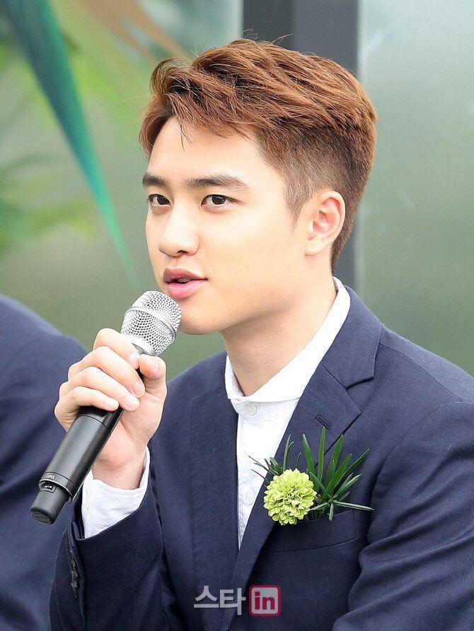 his hair is so nice pls punch me #Kyungsoo #sendhelp