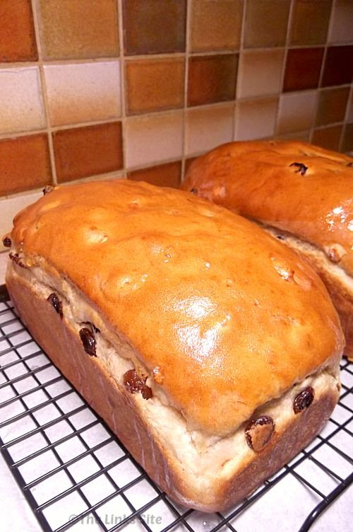 Delicious Easter Inspired Fruit Loaf. thelinkssite.com ...
