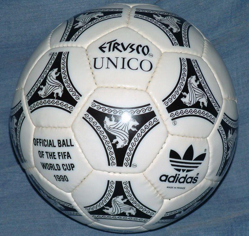 Adidas Etrvsco - Italia 1990.  fd4a0bfbe800d