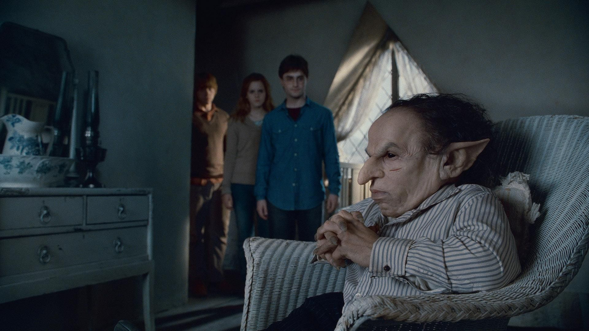 The Goblin And The Three Harry Potter Wizard Warwick Davis Harry Potter Harry Potter Films