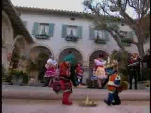 Mexican Hat Dance From Kidsongs I Can Dance Spanish Lessons For Kids Music For Kids Kids Shows