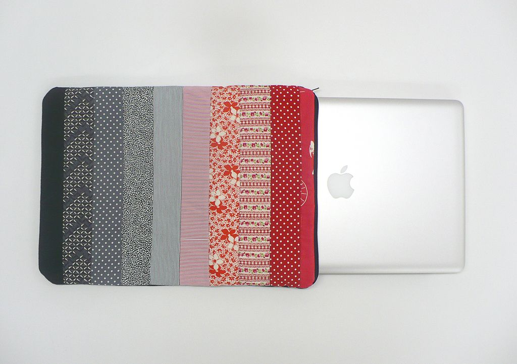 https://flic.kr/p/bnXJB6 | Patchwork laptop cover | Blogged here