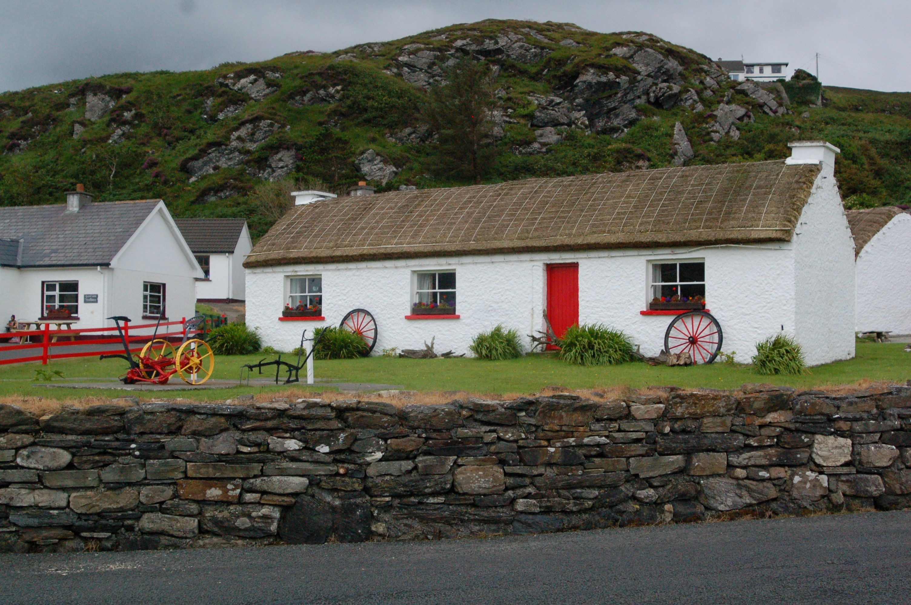 Old Thatched Irish Cottage Irish Cottage Homestead