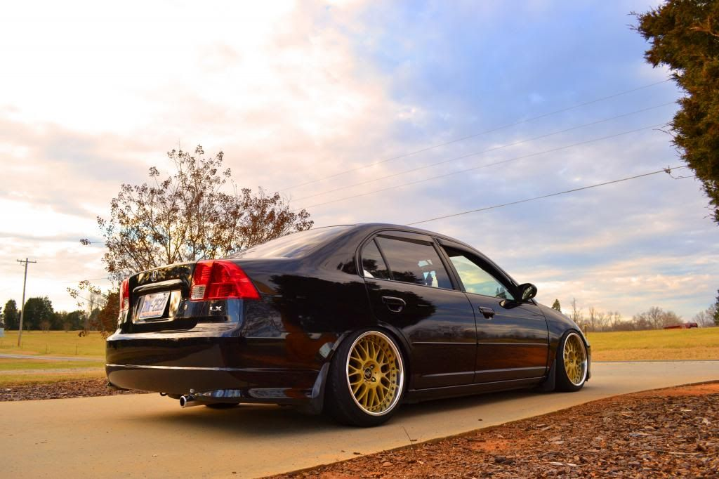 Stanced 2005 Civic