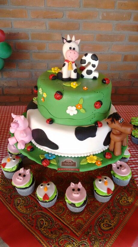 Pastel De La Granja Cumple De Victoria En 2019 Farm Birthday