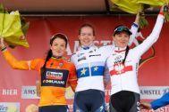 Lizzie Deignan, Anna van der Breggen and Katarzyna Niewiadoma on the 2017 Amstel Gold podium