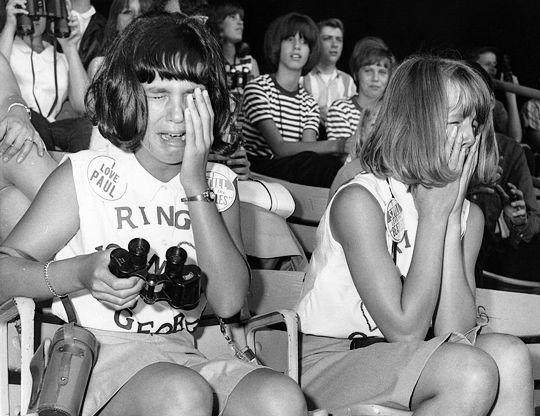 masová hysteria na koncertoch Beatles