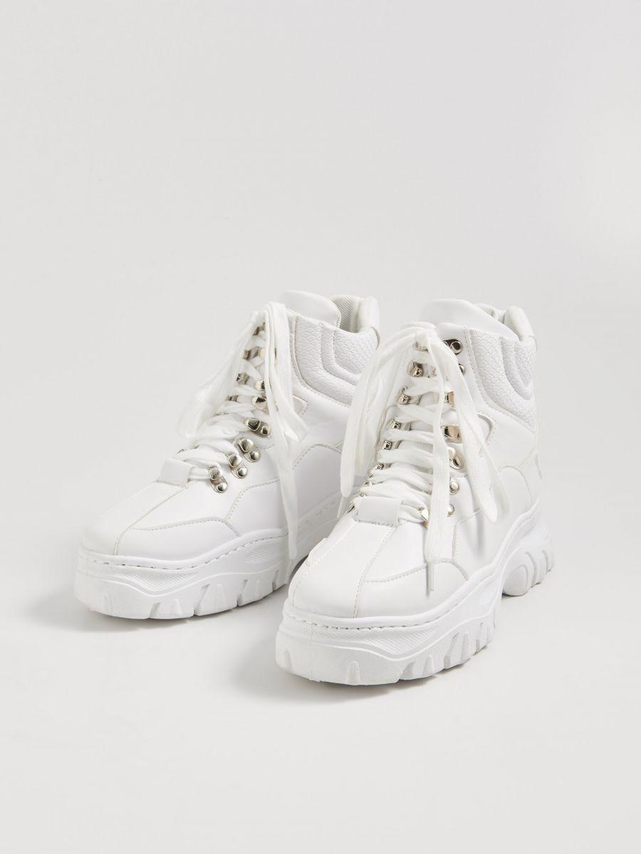 Sznurowane Sneakersy Za Kostke Sinsay Wu721 00x White Shoes Trekking Shoes White Sneaker