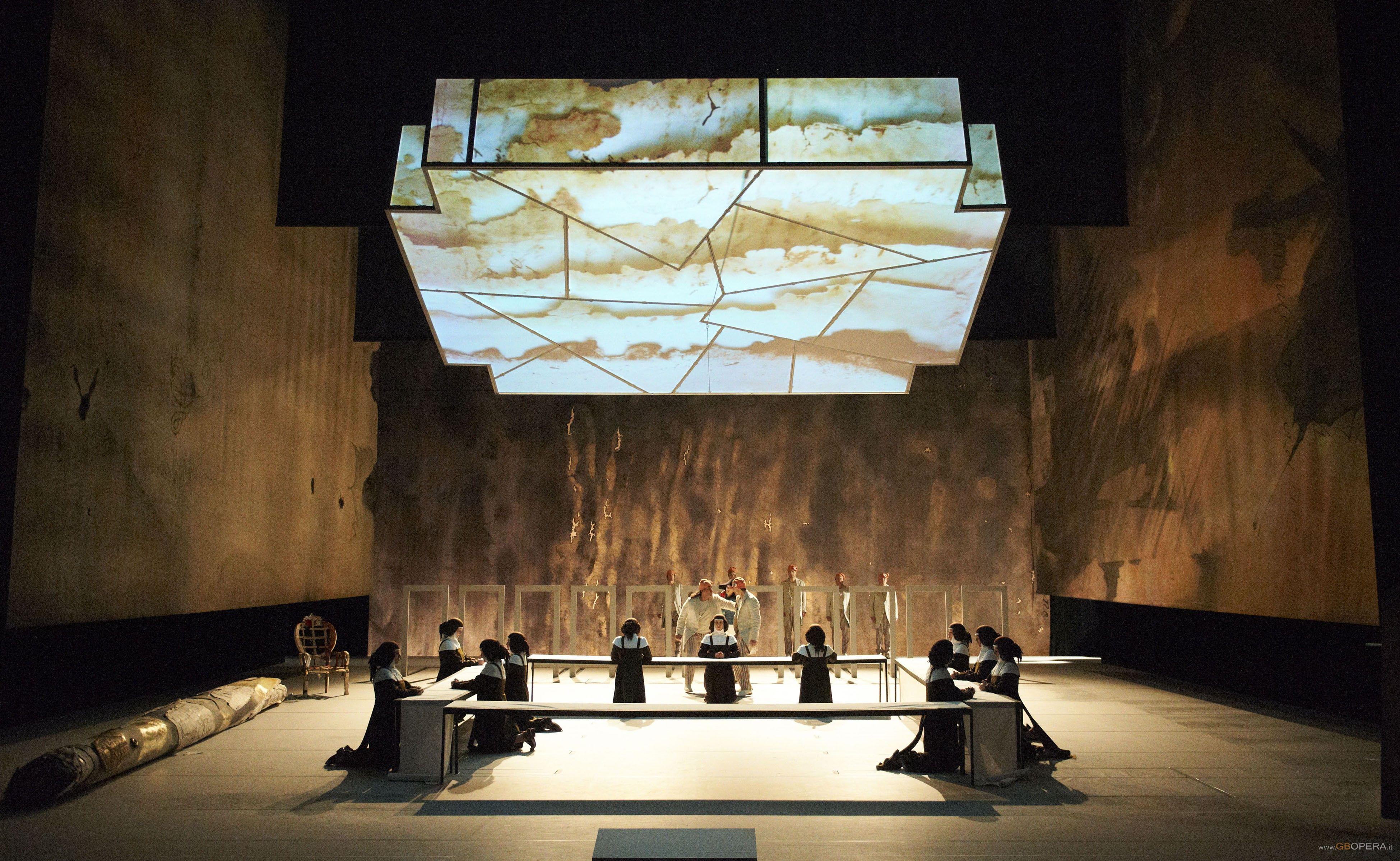 Les Dialogues des Carmelites from Staatsoper Stuttgart