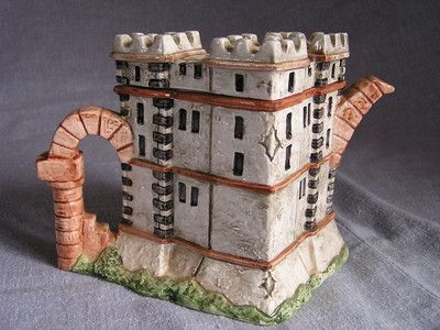 Castle teapot
