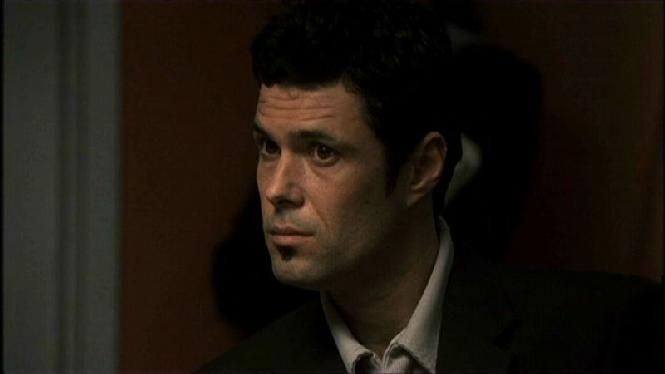 Tony Almeida (Carlos Bernard),