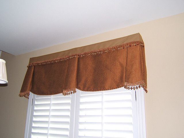 Honeycutt Window Treatment Steelhead Http Steelheadconstruction Com Has A Large Variety Of Window Types And Materials New Homes Home Window Treatments