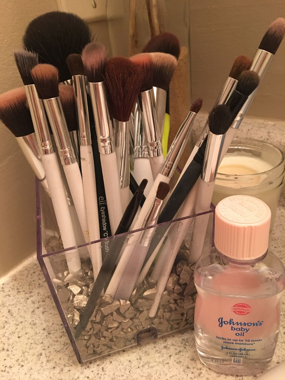 Cleaning Makeup Brushes with Baby Oil How to clean