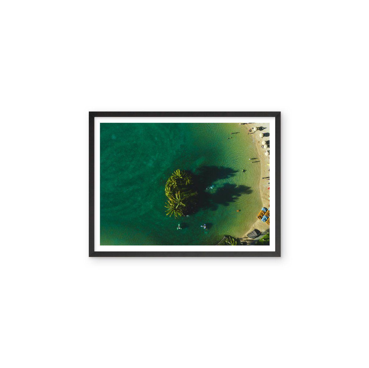 Lagoon Beach Honolulu - 28x22 / Black