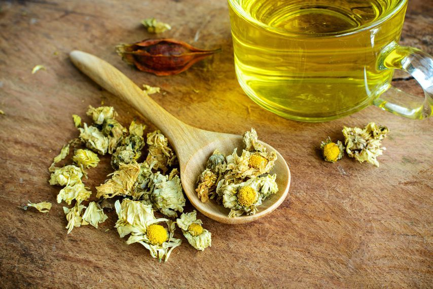11 home remedies that will soothe that sore throat of