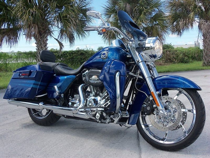 Photo of a 2013 Harley-Davidson® FLHRSE5 CVO™ Road King® | Bikes ...