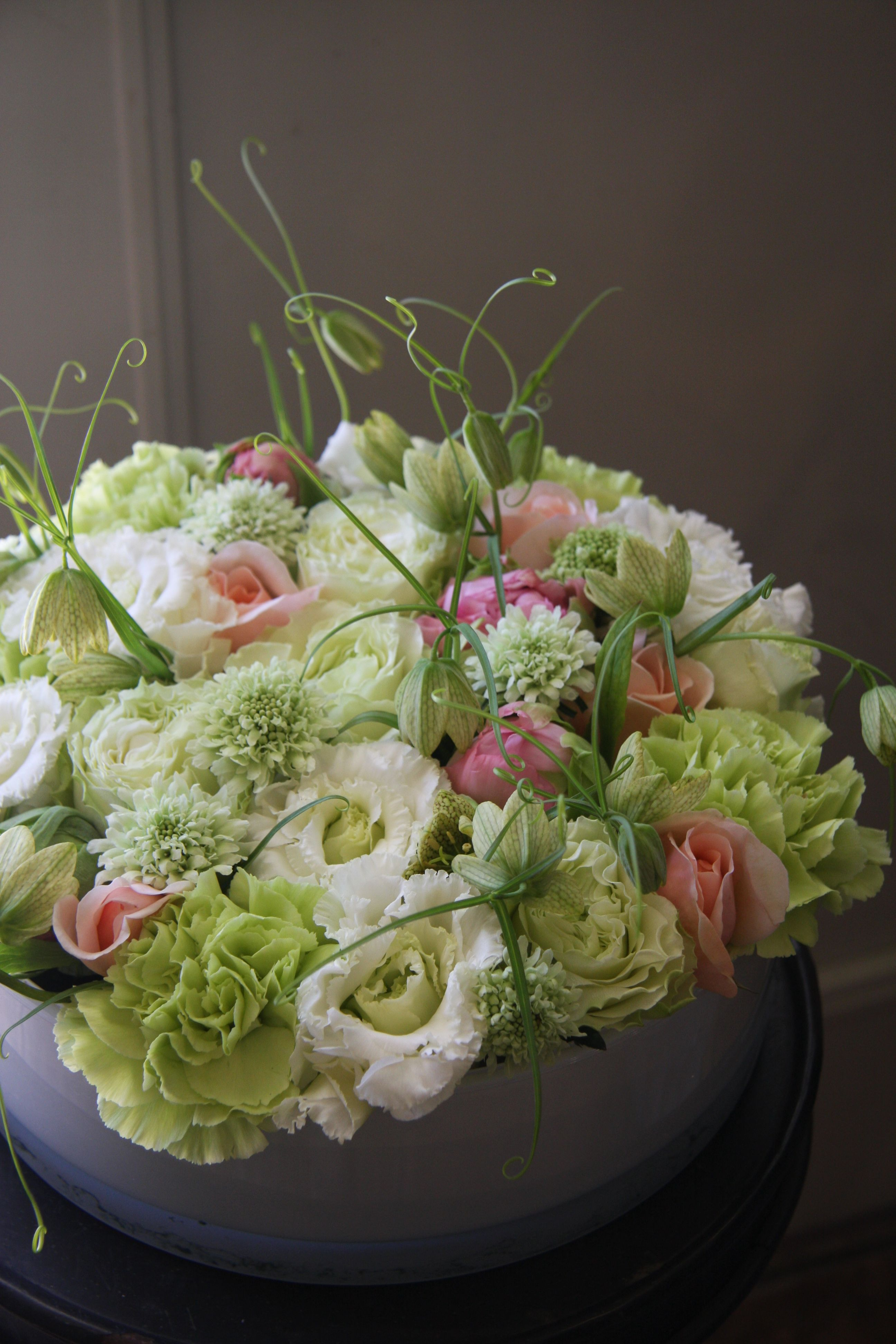 eustoma,rose,carnation and zcabiosa