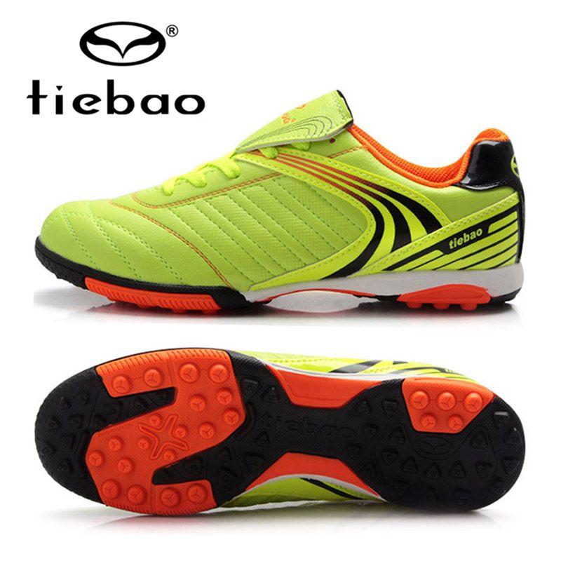 c9bd3f550df8 TIEBAO Top Qualité Professionnel Enfants Enfants Sport En Plein Air de  Football Bottes Hommes Formation Sneakers Gazon Semelles Chaussures de  Football dans ...