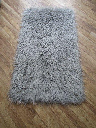 "80 x 150cms WHITE MONGOLIAN LONG PILE FAUX FUR SHAGGY FLUFFY RUG 60/"" x 30/"""