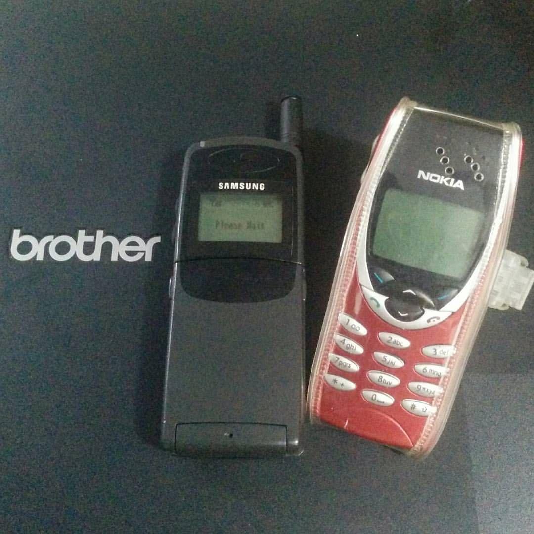 Samsung Sgh600 Feat Nokia 8210 Handphone Hp Jadul Djadoel Cellular