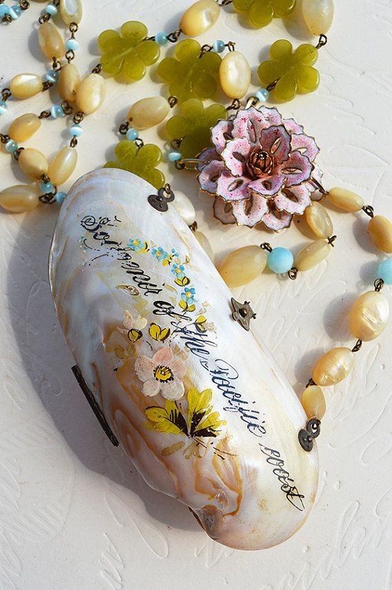 A darling 1800s hand painted clam shell souvenir purse Souvenir of the Pacific Coast hand- crafted with engraved hardware, floral decoration, and