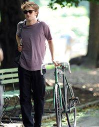 04/02 - Robert Pattinson arrêté par la police australienne