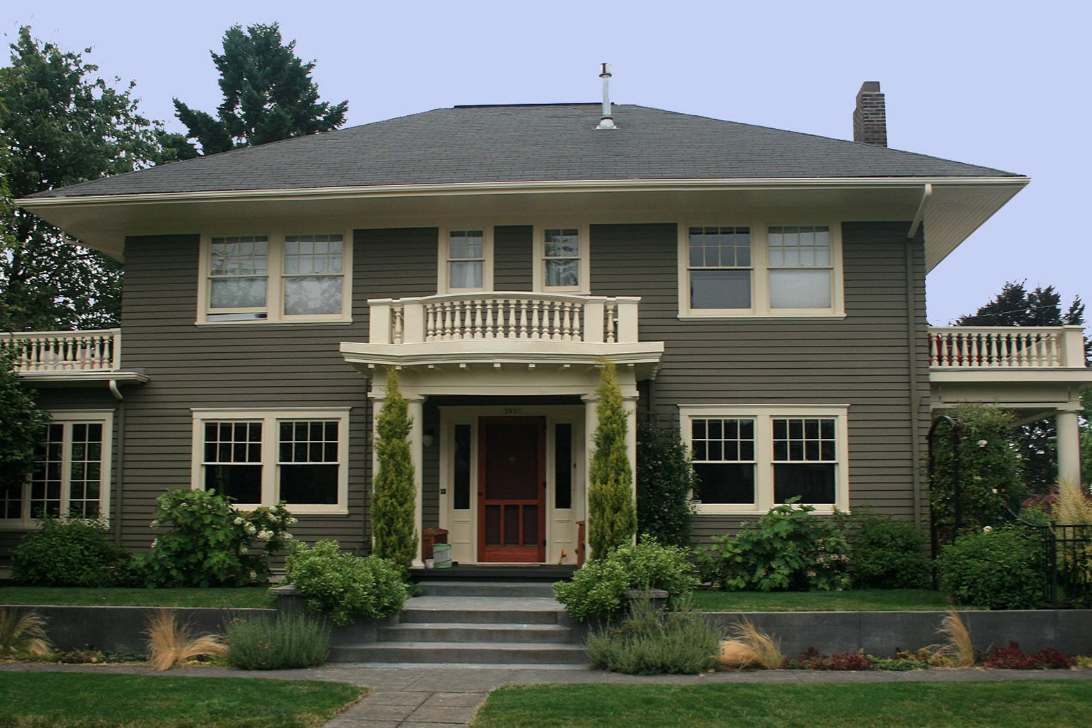 Cool Small Traditional Exterior House Paint Colors Decorated With Grey Wall Color And White