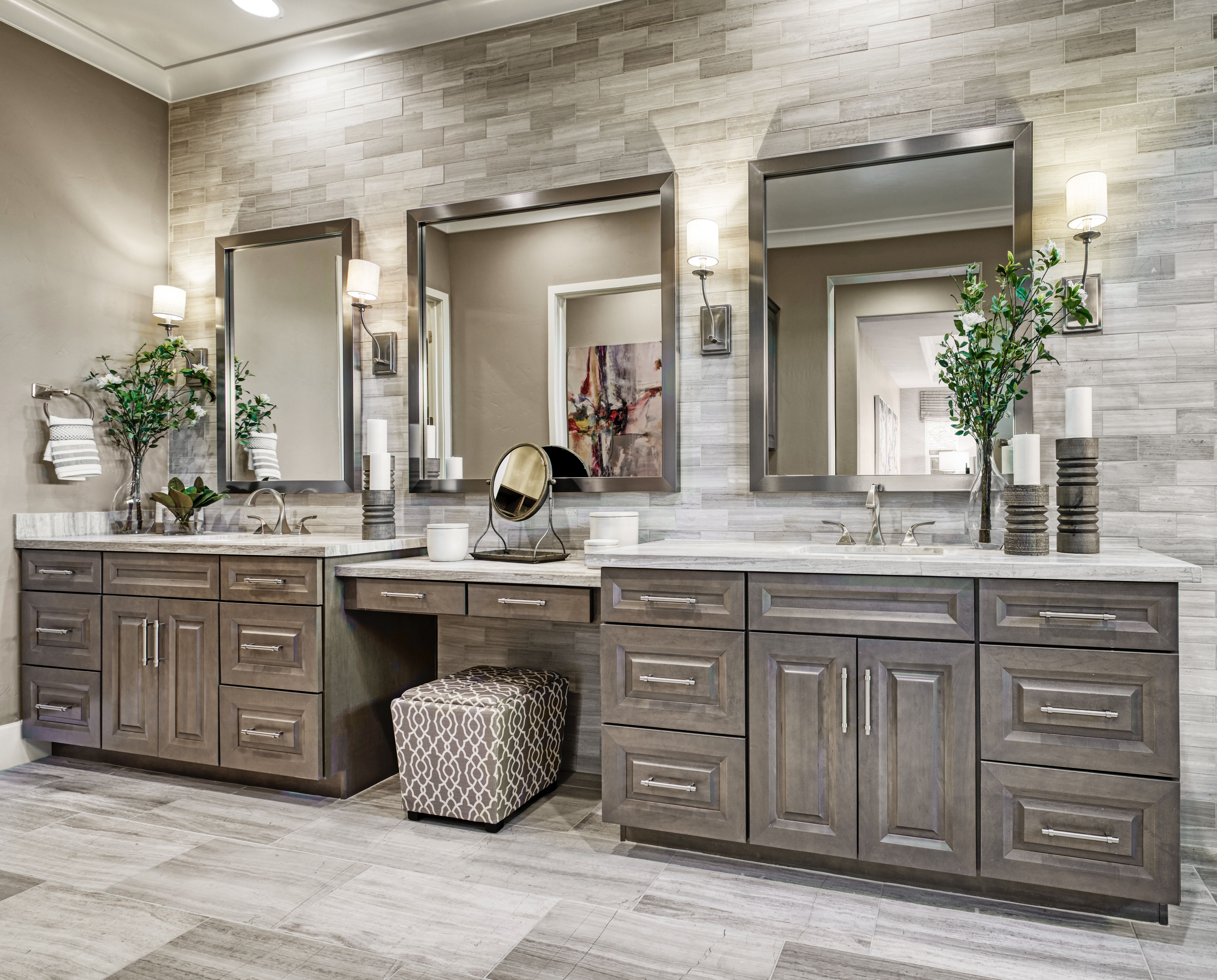 Master Bathroom Interior Design With Traditional Elegance Of Brushed Nickel Wall Scon Master Bedroom Interior Design Bathroom Interior Design Bathroom Interior