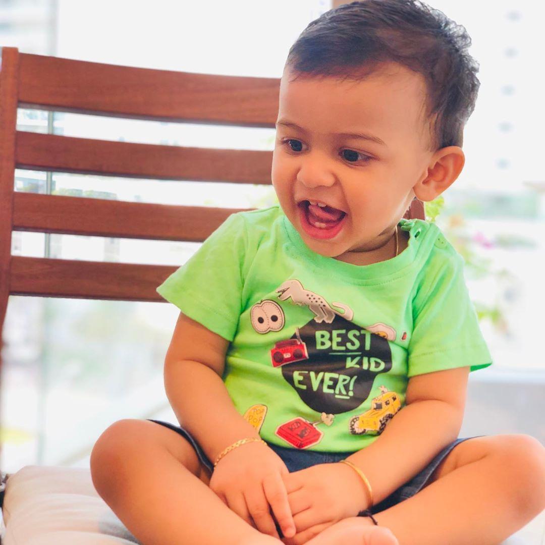 Happy Friday🦋 . . . . #babyblogger #baby #babyboy #happybaby #happyfriday #instablogger #kids #kidsfashion #instadaily #instagood #instafashionista #babymodel #smile #instagram #myabudhabi #followme #mydubai #uae #shotoniphone