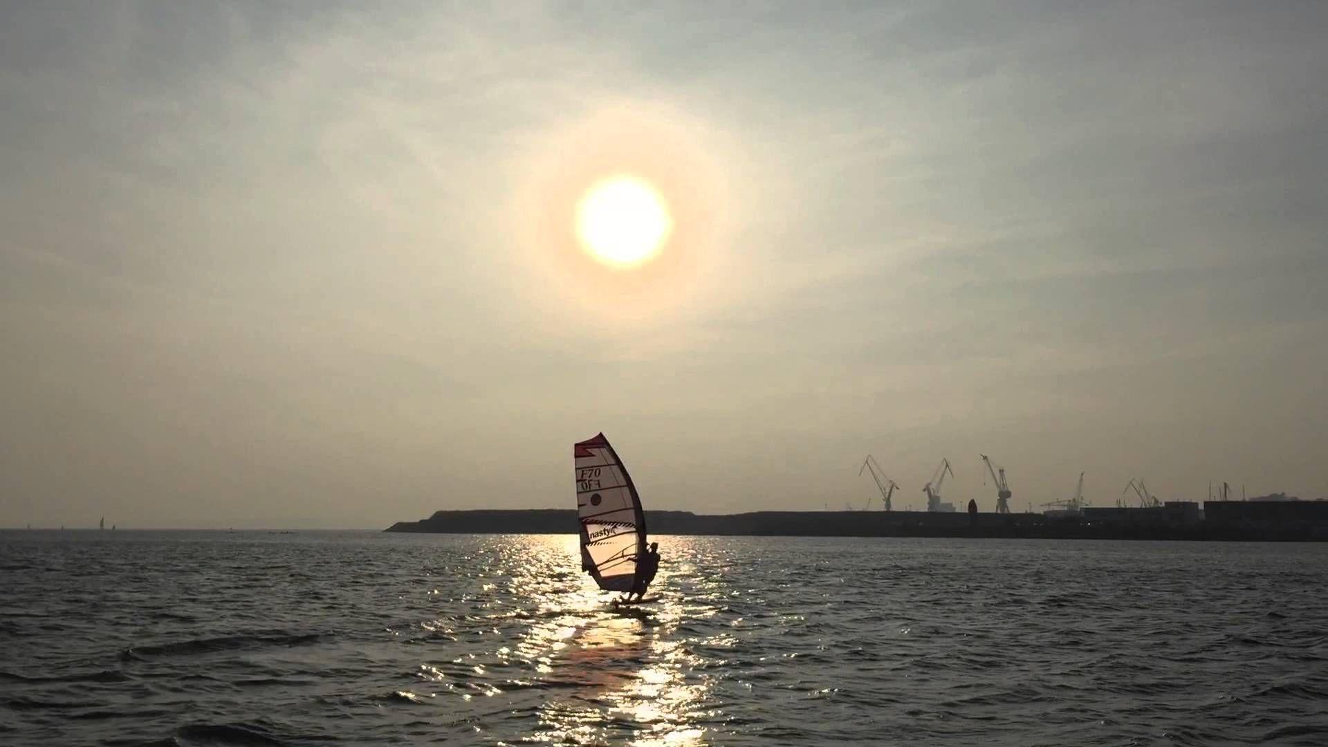 Vidéo de WindFoil sur la base de vitesse de #Brest ! http://www.basevitessebrest.com/