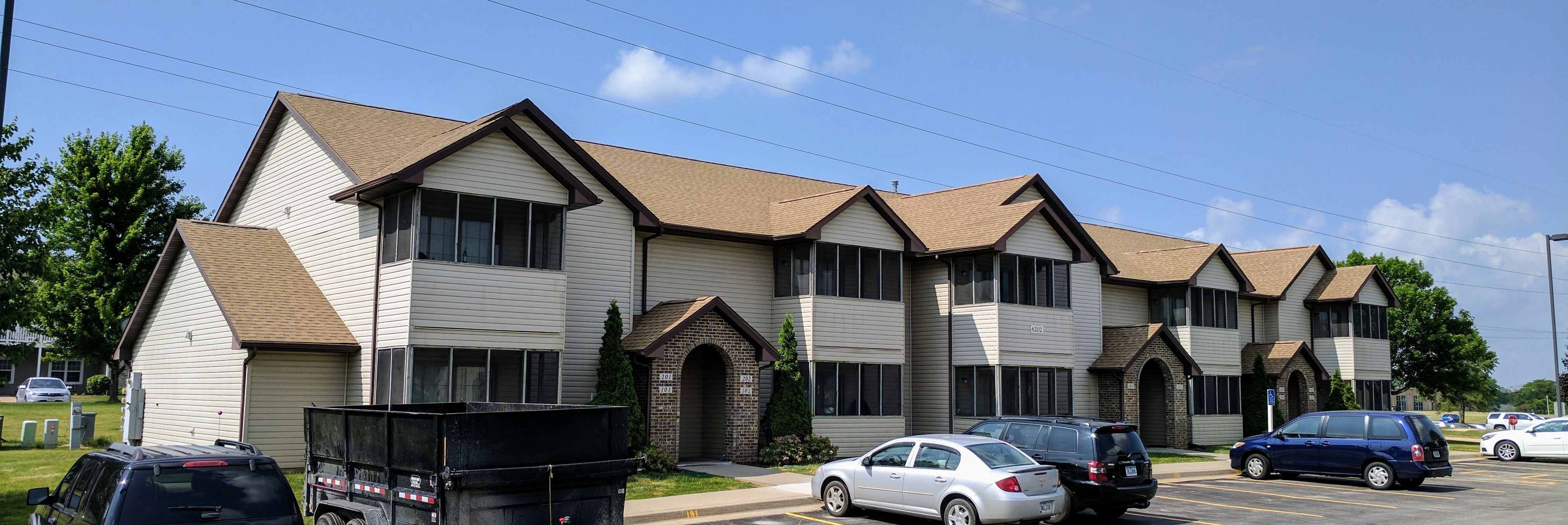 Best Roofoftheweek Goes To The Grand Reserve Apartments In 640 x 480