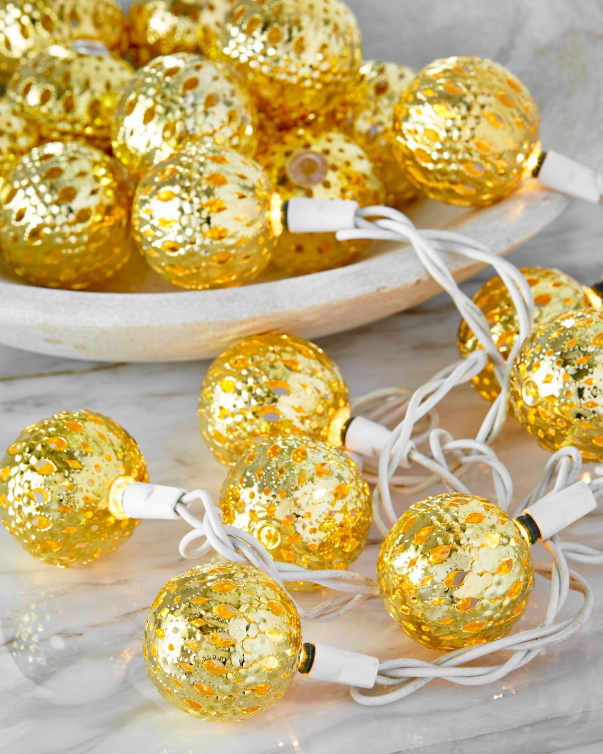 D Stevens Gold Tone Round Christmas Light Covers Set Of 20