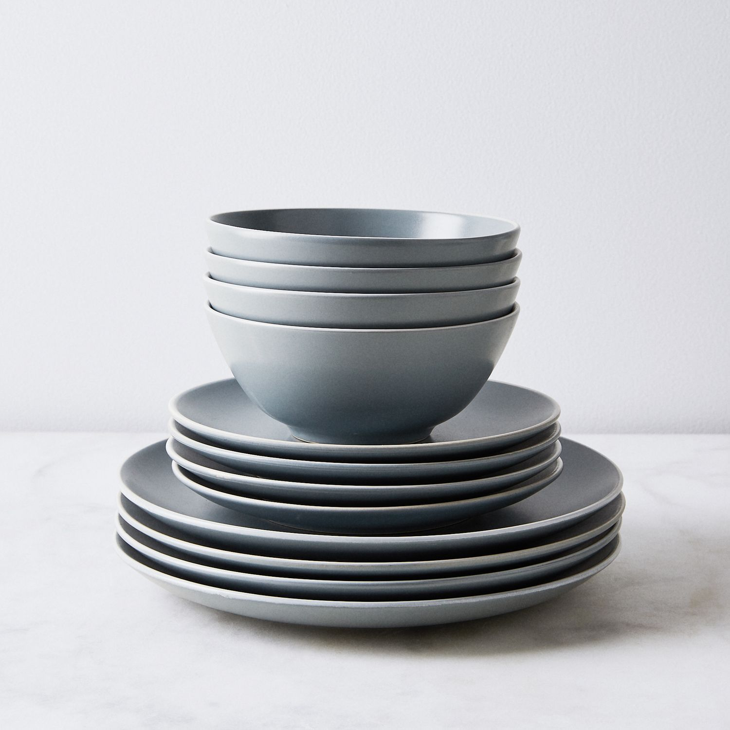 Classic Stoneware Dinnerware Best Affordable Dinnerware Set For Everyday Use In 2020 Stoneware Dinnerware Classic Dinnerware Dinnerware