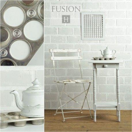 Lamp White is een eerder koele, witte kleur, met een lichtgrijze ondertoon.  500ml