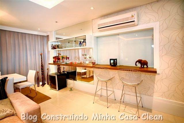 Cristaleira Com Espelho E Bar Ar Condicionado Na Sala Cozinhas