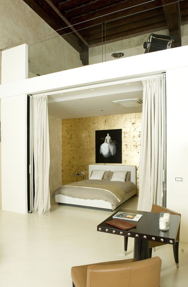 Great bed nook from an Italian palazzo