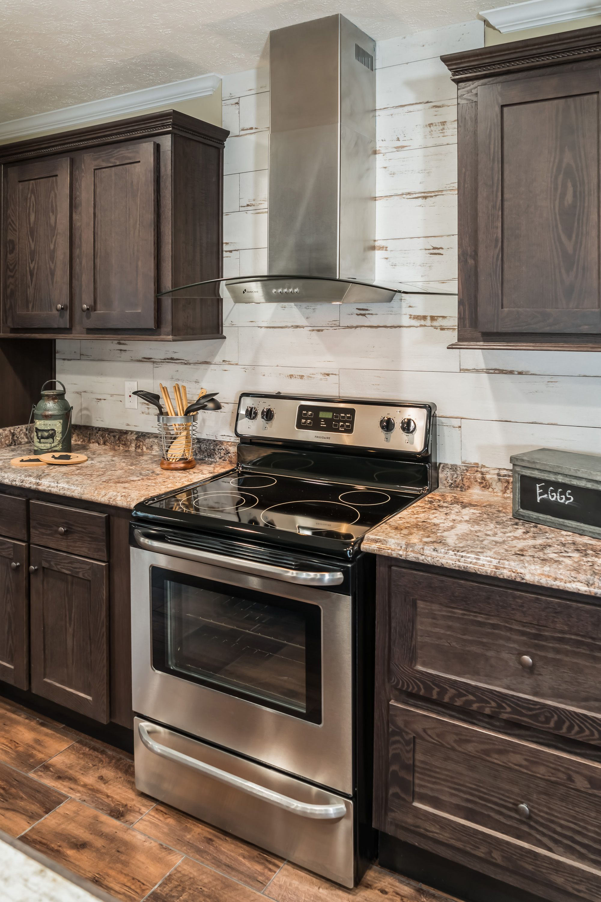 Kb 3241 Kabco Builders Kitchen Inspirations Kitchen Cabinets And Backsplash Dark Kitchen Cabinets
