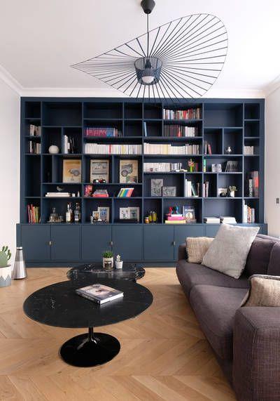 A Paris Un Appartement Haute Couture Inspire De L Hotellerie De Luxe Decor Interieur Cote En 2020 Table Basse En Marbre Noir Deco Appartement Idee Deco Appartement