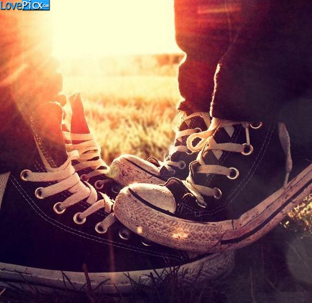 bfc2d607da4 Love Couple Shoes Girl Boy | Wallpapers & Photography | Emo couples ...