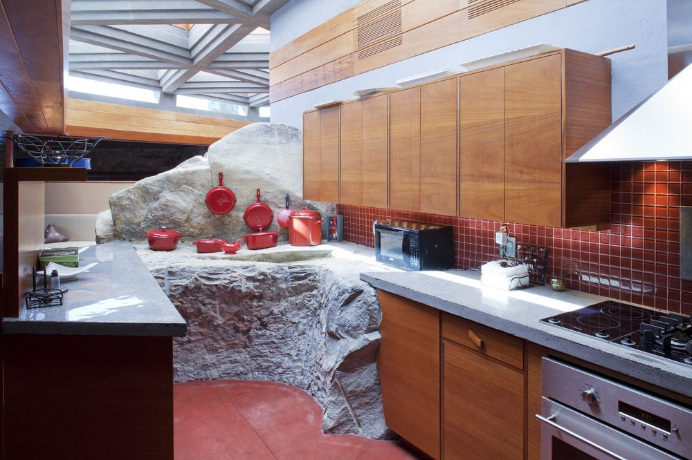 Frank lloyd wright massaro house private island the homes on petra island incorporate stone cement and mahogany and are considered architectural