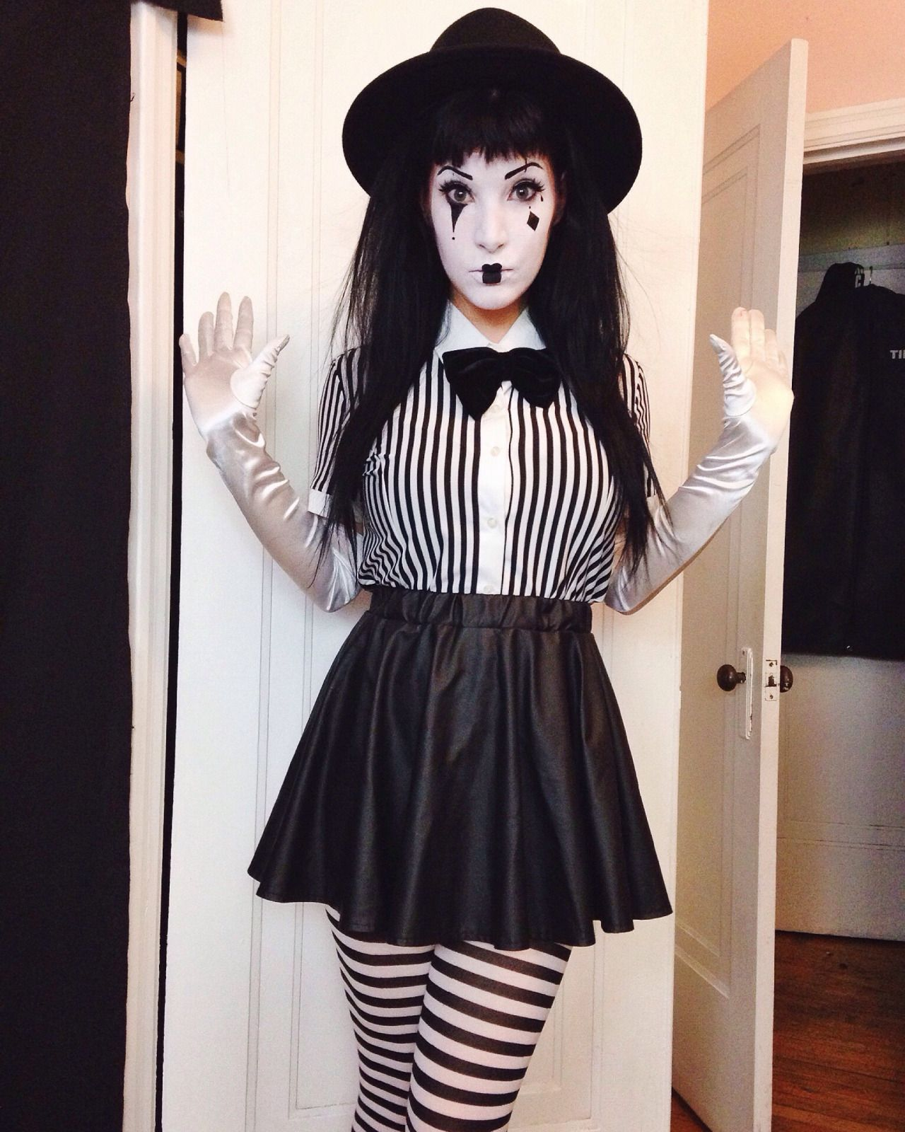 French Mime Costume Diy: Party Time And Hoildays