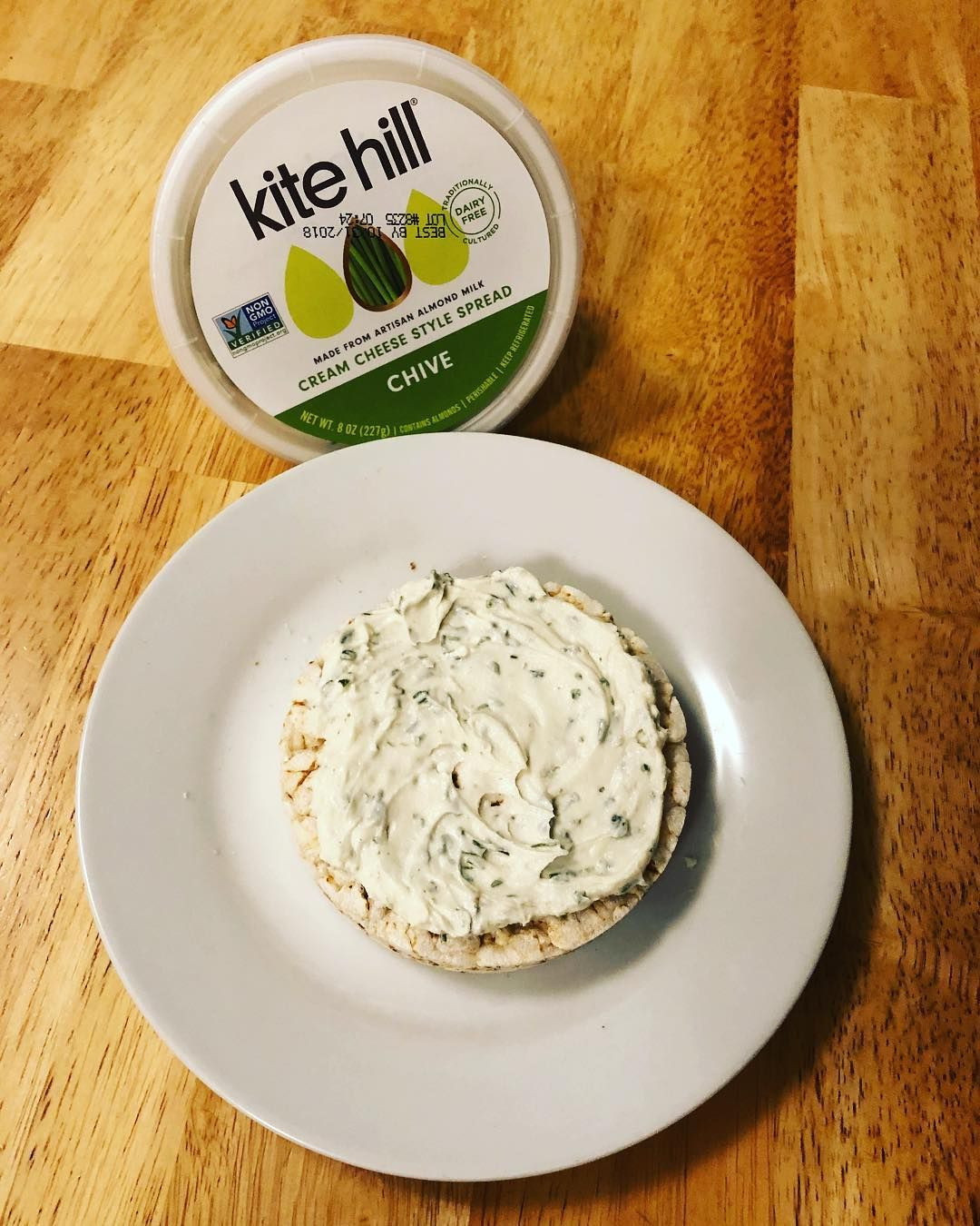Creamy Dreamy Vegan Goodness Vegan Cream Cheese Is Everywhere Dairy Free Cream Cheese Vegan Cream Cheese Cheese Brands