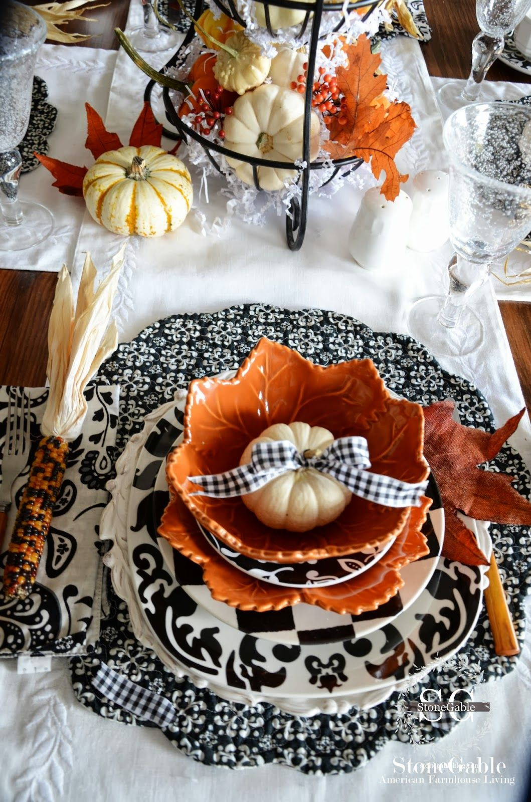 20 new ways to decorate your home with pumpkins halloween table settingsfall - Halloween Place Settings