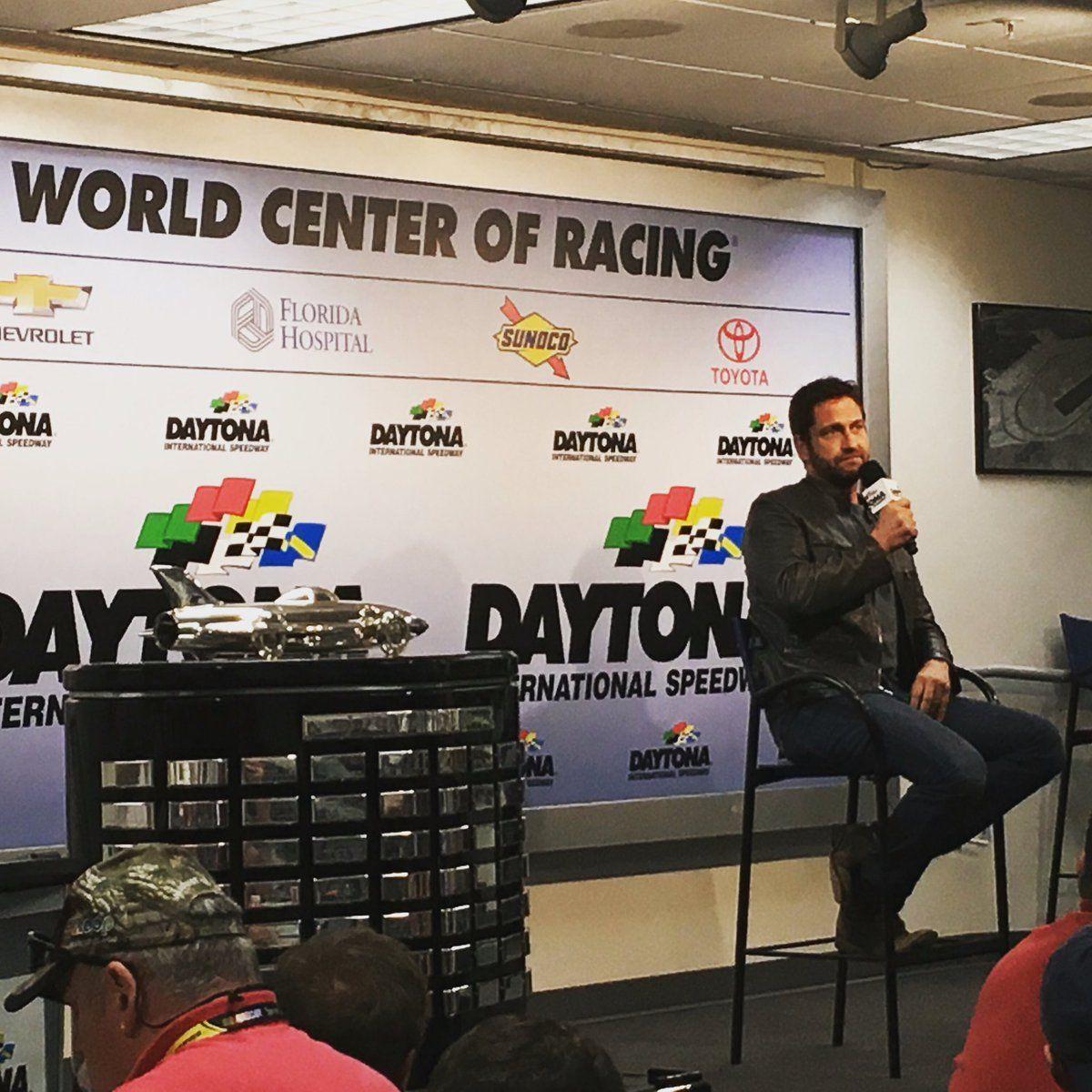 "Lionel Racing on Twitter: ""Gerard Butler has the media center in stitches #Daytona500 https://t.co/k4tAVkSOAQ"""