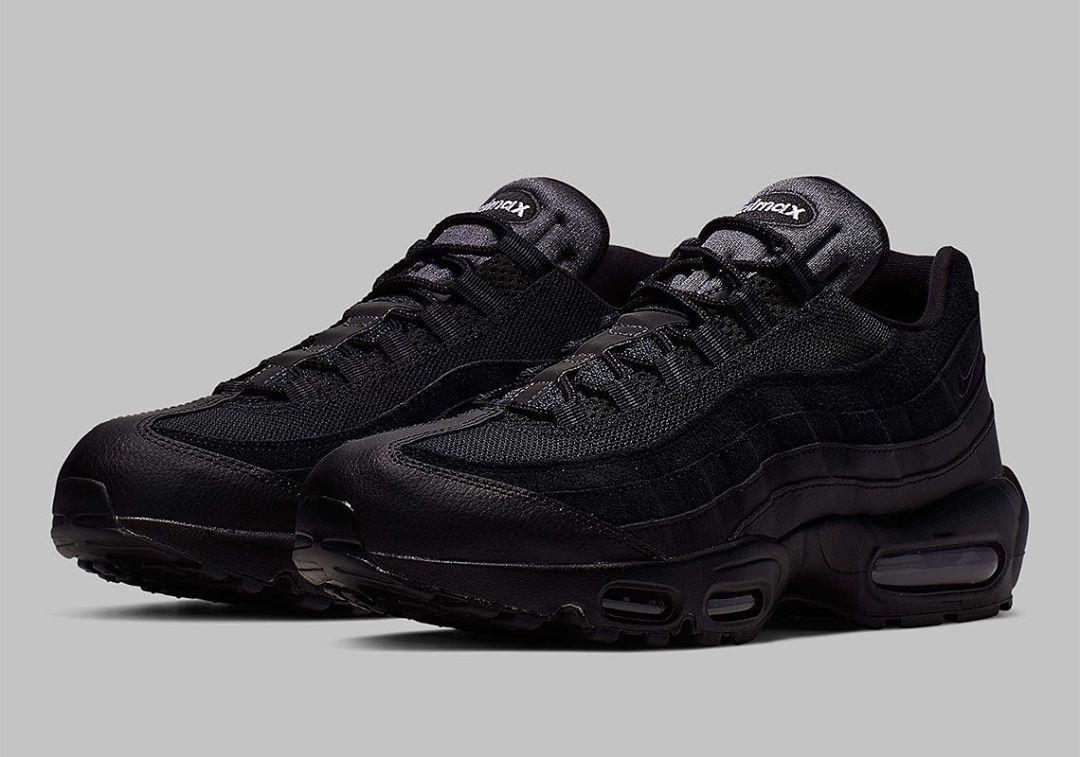 Nike Airmax 95 x Triple Black . These
