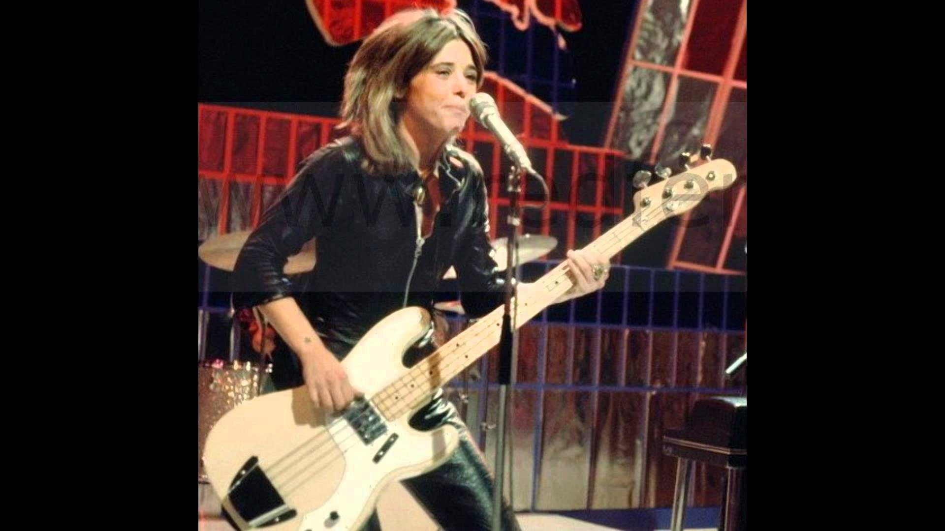 Suzi Quatro - Get back mamma (1973) /Rock Glam/ With Lyrics - YouTube