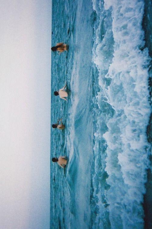 Underwater wallpaper tumblr grunge - css path to image