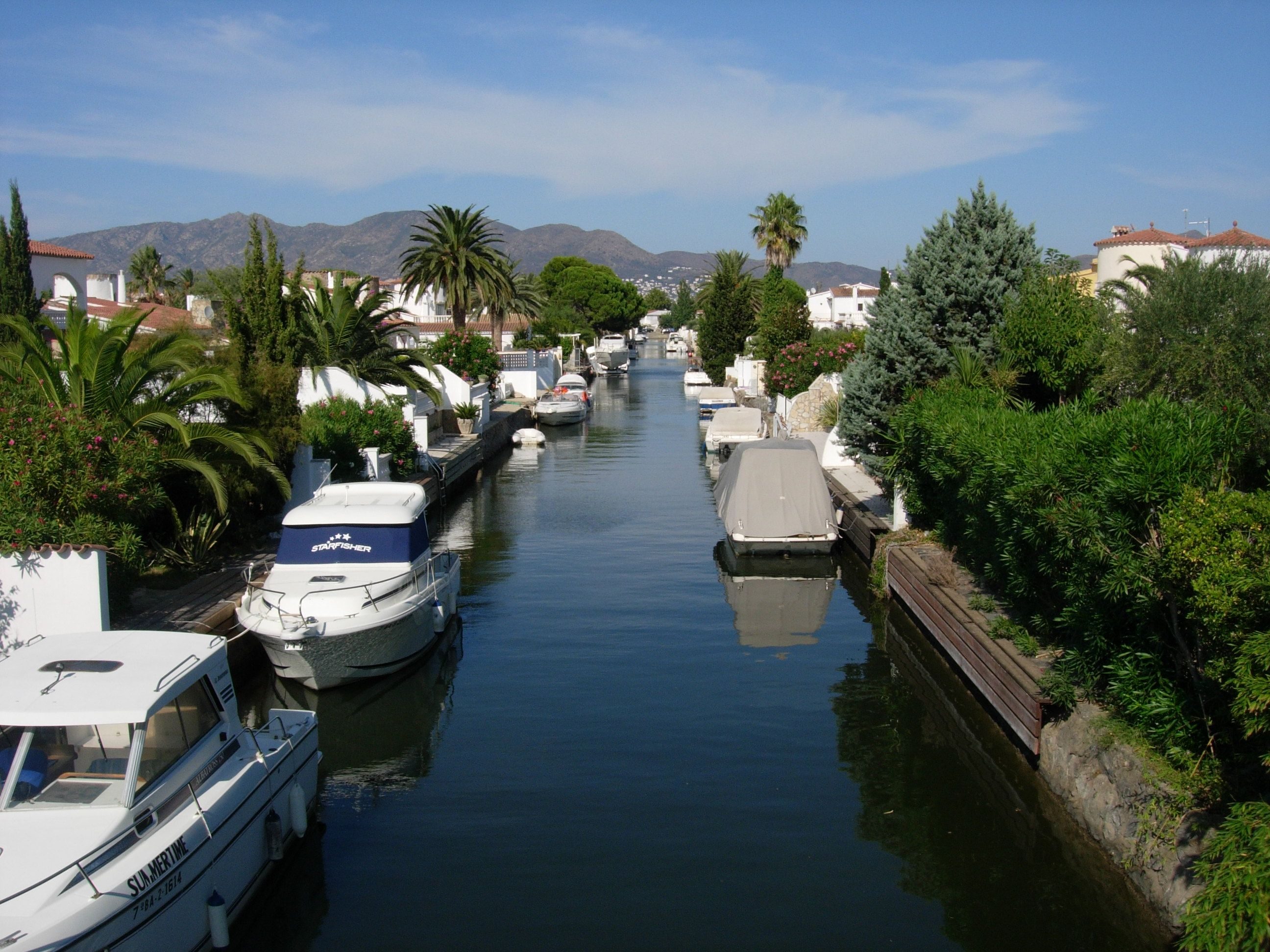 Empuriabrava Canals Empord Power Pinterest Spain and Buckets